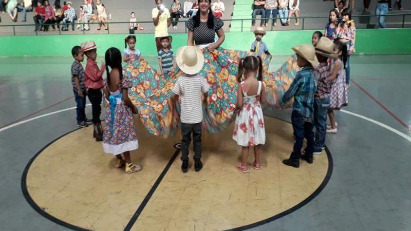 Projeto Trilha da Leitura realiza Sarau Junino em toda Rede Municipal de Ensino
