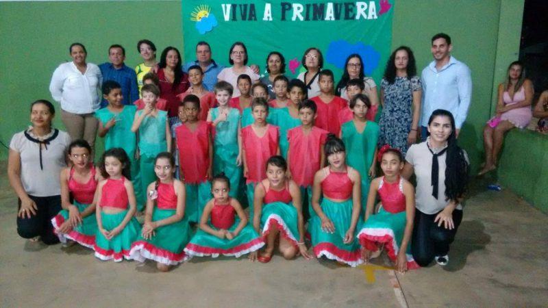 Escola Serra de Campo apresenta coreografia na Feira do Produtor
