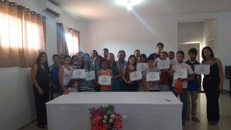 Entrega de certificados curso de Informática e apresentação trabalhos de bordado