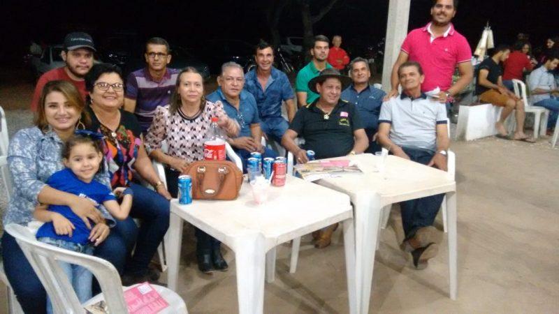 LEILÃO DE GADO DOADOS PARA CONSTRUÇÃO DA PISCINA NO CLUBE DA ASSISTÊNCIA SOCIAL.