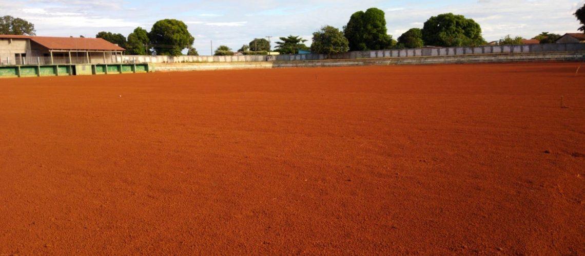 01- Terra planagem Estádio Municipal de Santa Tereza de Goiás